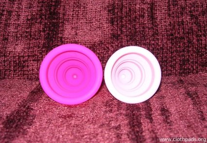 Lily-compact_cups3